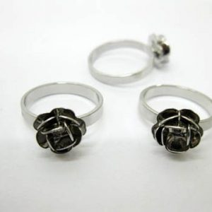 Metal Flower Rose Ring